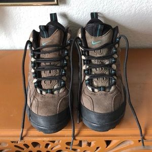 Nike ACG Brown & Turquoise Hiking Boots 6.5